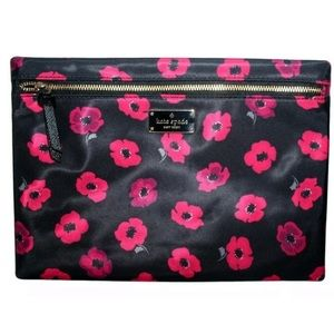 Kate Spade Wilson Road Large Poppy Drewe Pouch NWT